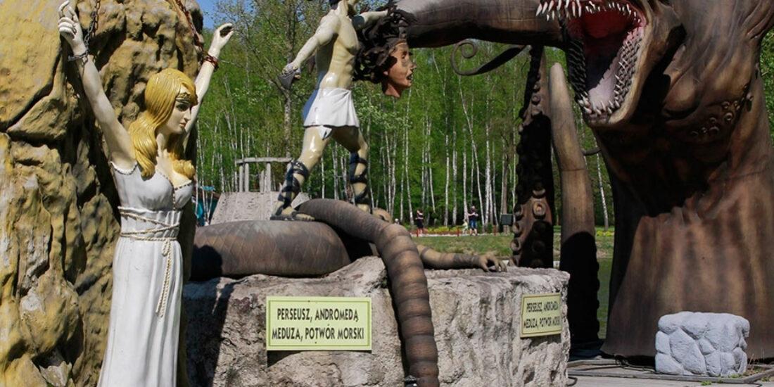 Wycieczka szkolna do Parku Mitologi w Zatorze